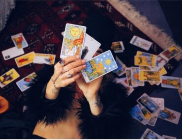 how love tarot cards can help you