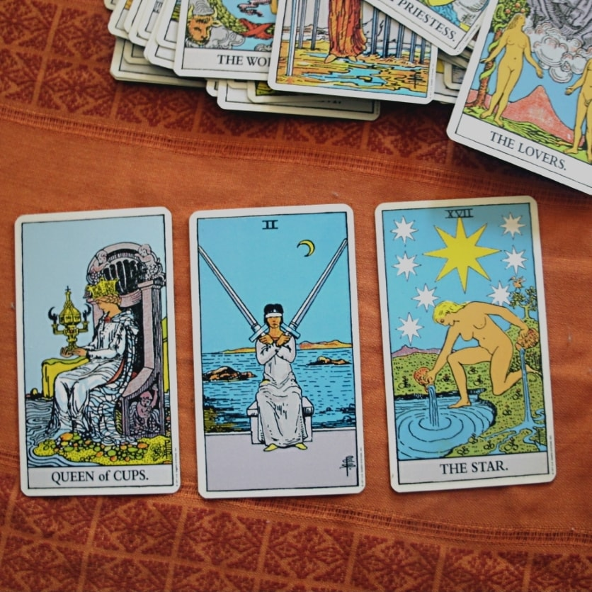 Love Tarot 3 Cards moving ahead