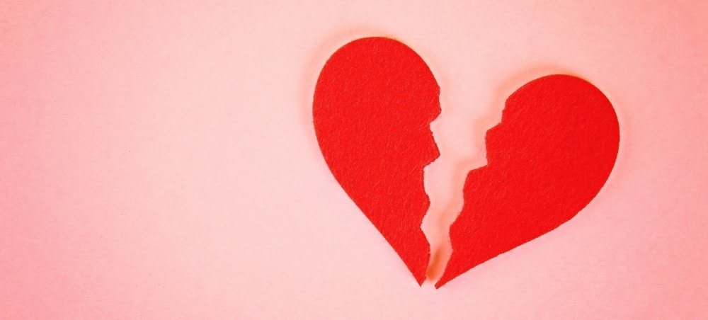 7 signs your relationship is a fake